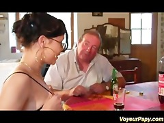 erotic brunette engulfing papy and his ally cock