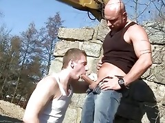 large dad fucks guy in the ass outdoor public